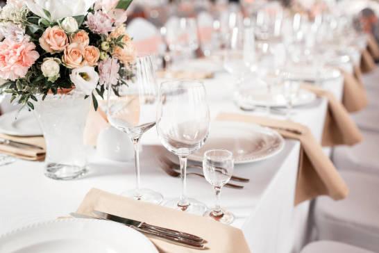 Jak zorganizować udane przyjęcie okolicznościowe?